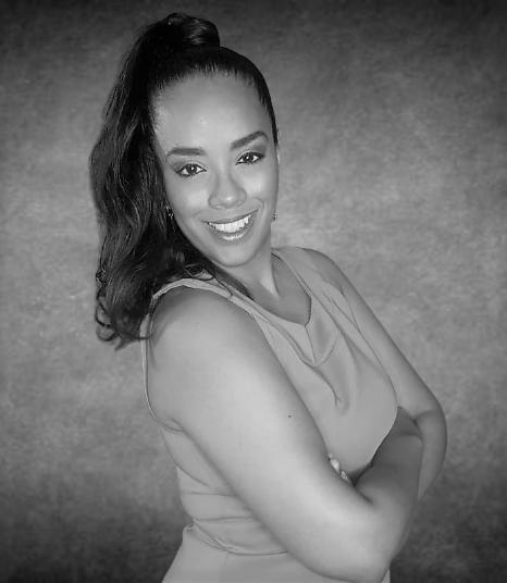 Author Headshot - Daniella Wade